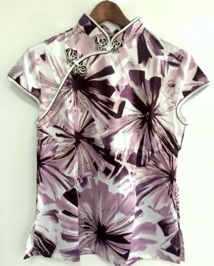 Блузка с коротким руковом